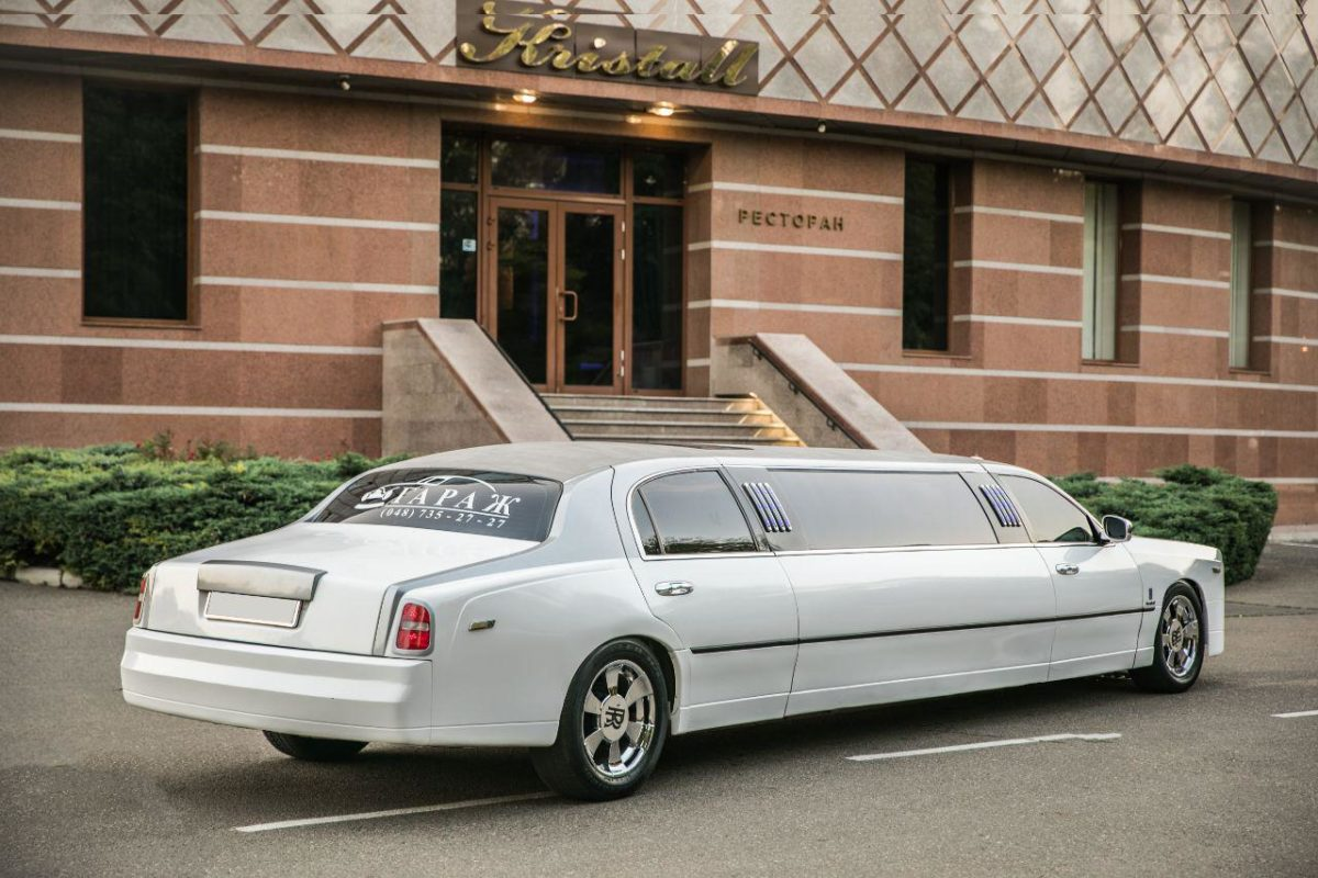 Аренда лимузина Rolls Royce Phantom